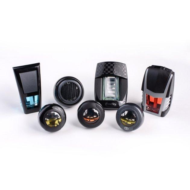 Prezentacja różnych modeli zapachód samochodowych firmy REAL FRESH z obudowami plastikowymi naszej produkcji