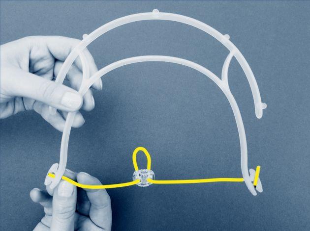 Obrazek ilustrujący krok 1 samodzielnego składania naszej przyłbicy