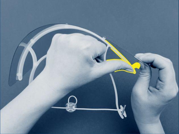 Obrazek ilustrujący krok 4 samodzielnego składania naszej przyłbicy